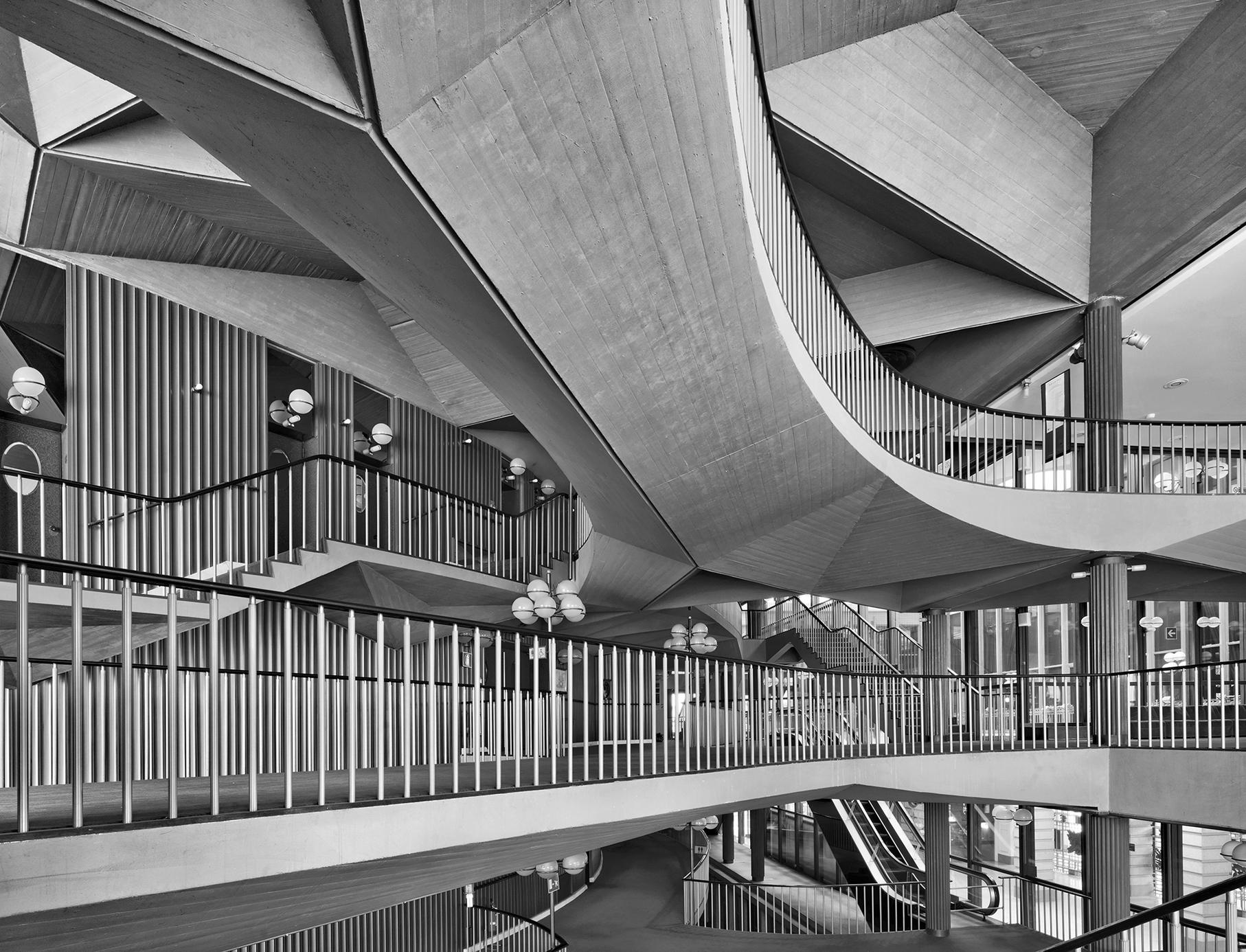 Lavoro Per Architetti Torino tra rigore progettuale e gioco illusorio: fotografare l